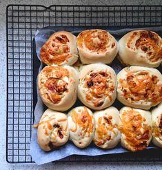 Looking for something to add to the school lunch box besides the same old sandwich? Try a scroll instead! Here's an easy recipe for delish Vegemite and cheese scrolls.