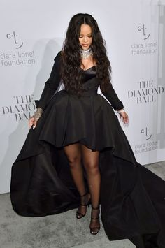 Rihanna attends the Annual Diamond Ball hosted by Rihanna and The Clara Lionel Foundation on September 2017 in New York City. Rihanna Legs, Rihanna Riri, Rihanna Images, Cara Delevingne, Celebs, Celebrities, Famous Women, Ball Gowns, Queen