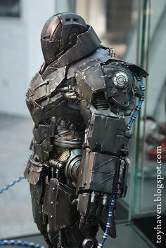 "toyhaven: World Premier of Hot Toys 1/6 scale Iron Man 2 Armored Whiplash (Mark II) 12"" figure at Bugis"