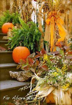 Pretty Fall Porch Decor.