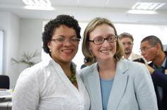 Flávia Pinto e a Ministra da Secretaria de Direitos Humanos Maria do Rosário no comitê de Diversidade Religiosa.