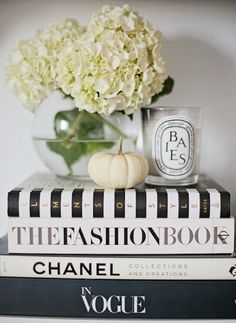 Books Coffee Table Photography Bryce Covey Brycecoveyphotography Read More Stylemepretty Living 2017 01 10