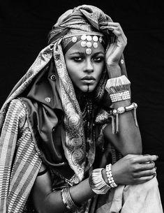 John Bin Hawi - John Bin Hawi – Imazighen by Mehdi Sefrioui - African Beauty, African Women, Black And White Portraits, Black And White Photography, Beautiful Black Women, Beautiful People, Beautiful Pictures, Africa Tribes, Mädchen In Bikinis