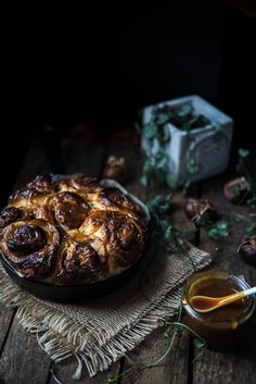Apple and chestnut rolls with sage caramel and video on how to make cinnamon knots   Gourmantine