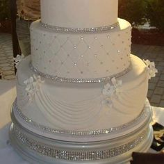 Bling Wedding Cake- just needs a little color!