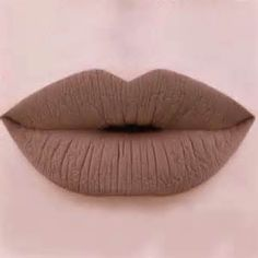 A nude lip is perfect for a good impression