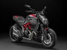 Ducati Diavel 2014: motore Dual Spark e nuovo frontale - Video