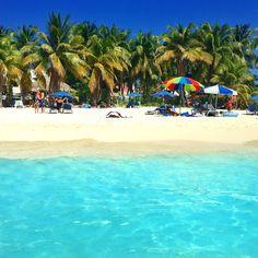Playa Norte, Isla Mujeres, Mexico — by Mark Fitz. Paradise at Playa Norte on Isla Mujeres! Cozumel, Cancun Mexico, Tulum, Family Vacation Destinations, Most Beautiful Beaches, Riviera Maya, Beach Fun, Beautiful Islands, Holiday Travel