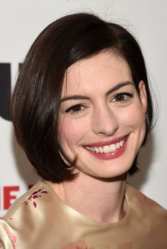 Anne Hathaway's classic bob