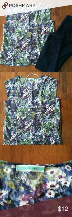 Women's Pleione sleevless  floral top Like new women's Pleione sleevless floral top size large Tops Tank Tops