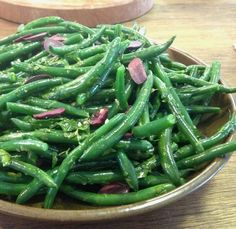Green beans with olive and lemon