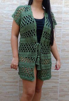 Diy Crafts - crochelinhasagulhas,crochet-crochelinhasagulhas: Crochet skirt, brown shawl and vest brown crochelinhasagulhas crochet shawl skirt Black Crochet Dress, Crochet Coat, Crochet Jacket, Crochet Cardigan, Crochet Shawl, Crochet Clothes, Crochet Skirt Pattern, Crochet Doily Patterns, Crochet Designs