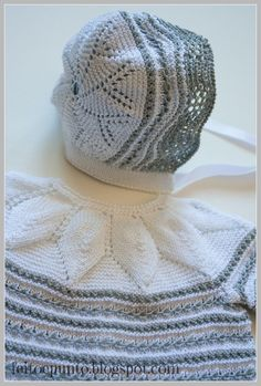 tutorial for yolk leaves pattern and bonnet for blessing dress with heirloom skirt or swiss dot skirt. :) Must to translation. Baby Booties Knitting Pattern, Knitting Patterns, Crochet Patterns, Knitting For Kids, Baby Knitting, Knitted Hats, Crochet Hats, Blessing Dress, Crochet Baby Bonnet