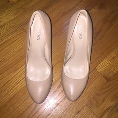 Aldo High Heels - Nude Tan/Cream matte high heels, very comfortable. Matches with every outfit ! Only worn once ALDO Shoes Heels