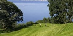 Pratiquez le golf avec une vue imprenable sur le lac Léman et les Alpes ! #hotel #golf #green #golfcourse #lacleman #evianlesbains #france