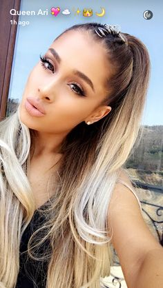 hair accessory hair rings hairstyles eye makeup make-up nude lipstick lipstick ariana grande celebrity beautiful Ariana Grande Maquillaje, Cabello Ariana Grande, Ariana Grande Make Up, Ariana Grande Fotos, Ariana Grande Eyebrows, Ariana Grande Nose, Ariana Grande Hair Color, Ariana Grande Hair Tutorial, Celebrity Hairstyles