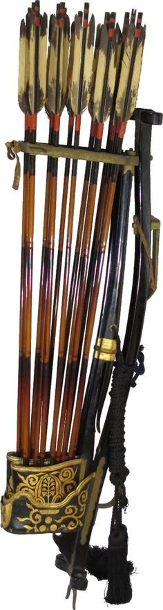 Japanese archery stand (yumi dai) with shiko type quiver and arrows (ya) Mori family crest Edo Period. Total length 104cm.
