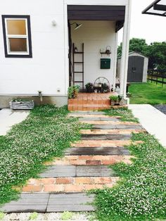Pebble Garden, Garden Paving, Garden Paths, Dream Garden, Home And Garden, Garden Entrance, Brick Patios, Backyard Landscaping, Garden Inspiration