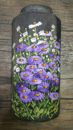 금아 천아트공방 Painted Glass Bottles, Glass Bottle Crafts, Wine Bottle Art, Painted Vases, Glass Painting Patterns, Glass Painting Designs, Painting On Wood, Bottle Painting, Glass Art