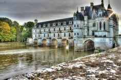 Chenonceau Castle - This beautiful castle built in the 15C offers a great collection of paintings, tapestries, and furniture.