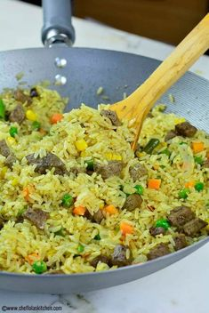 Breads 188658671877364519 - Close up picture of the delicious Nigerian Fried Rice loaded with mixed vegetables and beef Liver Source by princedef Easy Rice Recipes, Healthy Recipes, Liver Recipes, Nigerian Fried Rice, Nigeria Food, Ghana Food, West African Food, Dinner Dishes, Dinner Bread