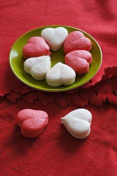 @Regina Estacio you should make you macroons shaped like this. It's cute!