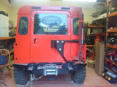 Defender jack tire mount