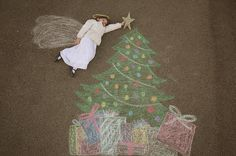 Sidewalk Chalk Props: Creative Photos Of Kids As Part Of Chalk Art Chalk Photography, Christmas Photography, Creative Photography, Chalk Pictures, Sidewalk Chalk Art, Chalk Drawings, Christmas Drawing, Holiday Pictures, Christmas Angels