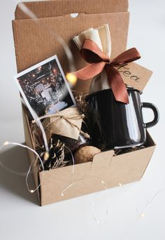 Simple Gifts, Love Gifts, Box Regalo, Birthday Room Decorations, Coffee Box, Gift Card Boxes, Diy Crafts For Gifts, Friend Birthday Gifts, Chocolate Gifts