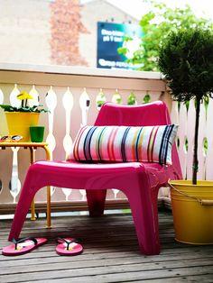 Kleine Balkone Gestalten Balkonmöbel Für Kleinen Balkon Gelbe ... Balkon Gestalten Balkonmobel Balkonpflanzen