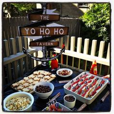 pirate party food and party ideas - plus games #Party Ideas| http://party-ideas-992.blogspot.com