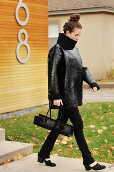 Paletti Boutique SLC  #fashion #style #fallfashion #winterfashion #womensfashion #advancedstyle #blackonblack #clutch #alligatorbag #shiny #pullover #sweatshirt #sweater #topknot #collar #chic #edgy #modern #classic