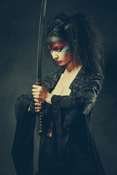 Geisha warrior 2 by Olivier Lannes / Angel Warrior, Shadow Warrior, Warrior Girl, Warrior Makeup, Warrior Pose, Female Samurai, Female Ninja, Samurai Photography, Photography Women