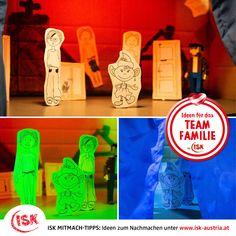 """""""Bau ein THEATER"""" mit dem Landestheater Linz! Anleitung inklusive Bastelbogen!  Diese und über 100 weitere Ideen für gemeinsames Basteln, Spielen und Kochen.  #basteltipp #baueintheater #takethetheatretoachild #Mitmachtipps #isk  #wirbleibendaheim #stayathome #krisealschance #kreativzeit #deinteamfamilie #teamfamilie #teamösterreich #coronazeit #bleibgesund  Fotos: Philip Brunnader Bookends, Home Decor, Pictures, Craft Tutorials, Playing Games, Cooking, Kids, Ideas, Decoration Home"""