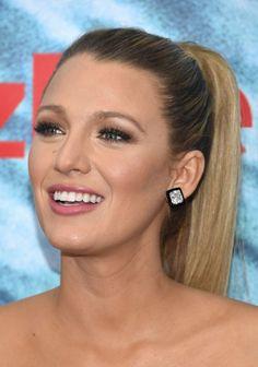 Blake Lively: rabo de cavalo e maquiagem linda