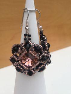 Armbänder von - dilua - schmuck und accessoires Swarovski, Drop Earrings, Jewelry, Fashion, Beads, Handmade, Jewellery Making, Moda, Jewels