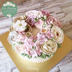 Zoom in....ElleBaking Flower Cake #Naturalstyle #Ellebaking  #เค้กดอกไม้ของแอล…