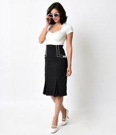 Savannah means perfect symmetry, dames! The Savannah Skirt from Hell Bunny is the ideal addition to a classic and flatte...Price - $58.00-evzNZZe8