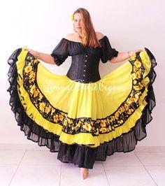 Mod Dress, Dress Skirt, Dress Up, Dance Outfits, Girl Outfits, Flamenco Skirt, Indian Classical Dance, Big Bun, Model Outfits
