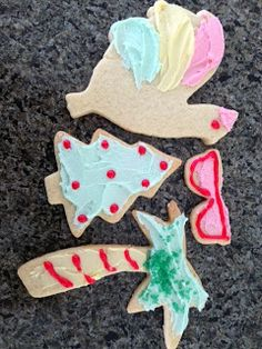 Mystery Lovers' Kitchen: #Christmas Sugar Cookies, Key West Style @LucyBurdette @TMystery Lovers Kitchen #recipe