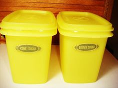 Tupperware... I have these... wow!