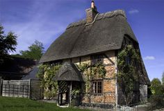 Cute cottage in New Forest, England.