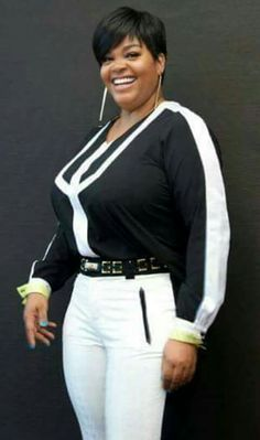 Jill Scott to Be Honored at Essence's Black Women in Music Jill Scott, Look Short, Women In Music, Short Styles, Black Women Fashion, Bikini Photos, Celebs, Celebrities, Beautiful Black Women
