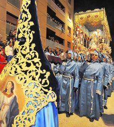 Procesión del viernes de Dolores, Lorca Madonna, Painting, Fashion, Sweetie Belle, Fiesta Party, La Mode, Paint, Draw, Fashion Illustrations