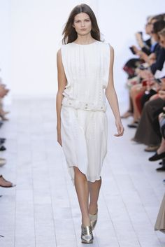 Light & Romantic: Chloe Spring 2012 - Paris Fashion Week
