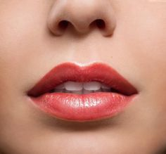 Many people notice their lips thin out with age. At Hobgood Facial Plastic Surgery, we offer lip vermilion advancement as a way to give your lips a boost. Female Lips, Lip Care Tips, Beauty Hacks Lips, Lip Augmentation, Thin Lips, Translucent Powder, Lip Brush, Your Lips, Natural Looks