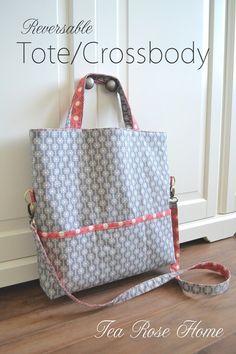 Uma bolsa crossbody dupla face muito elegante, feita com tecidos bem bonitos. O tutorial com imagens está AQUI