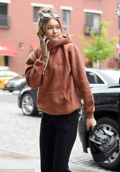 Gigi Hadid goes make-up free in casual look during New York errand run | Daily Mail Online