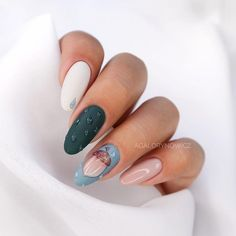 Nail art is the perfect way to express yourself, matte nails are the hottest new trend in the fall, making this expression more interesting and… Luv Nails, Aycrlic Nails, Hair Skin Nails, Matte Nails, Pink Nails, Manicure, Coffin Nails, Almond Nail Art, Almond Nails