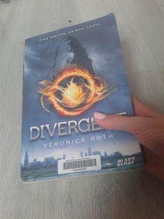 Divergente 1/favori du mois de Mai 2016 @enjoy LÉA